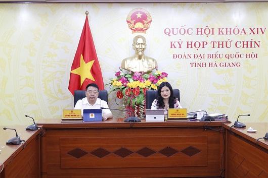 Đại biểu Quốc hội Đoàn Hà Gang tham dự Kỳ họp tại điểm cầu Hà Giang