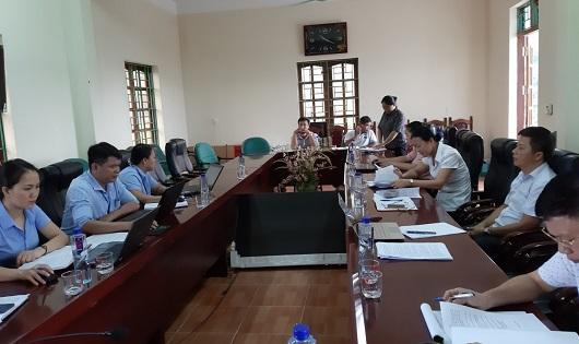 Tổ đại biểu số 02 HĐND huyện Bắc Quang giám sát tại Ủy ban nhân dân xã Việt Vinh.