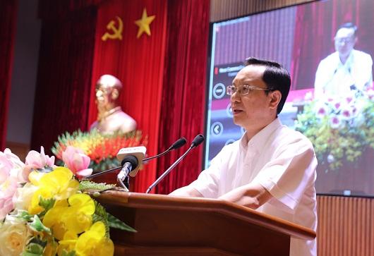 Đồng chí Thào Hồng Sơn, Phó Bí thư Thường trực Tỉnh ủy, Chủ tịch HĐND tỉnh phát biểu tại hội nghị.